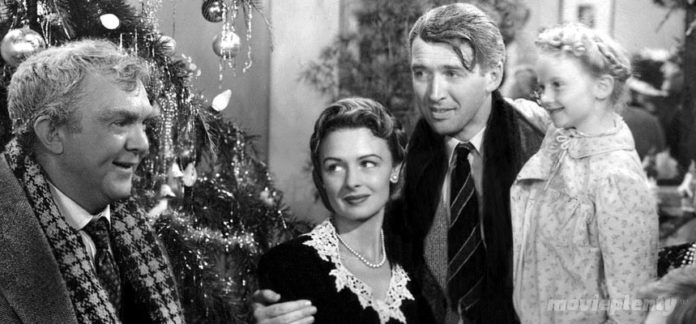 It's A Wonderful Life (1946) - Top 10 Christmas Movies