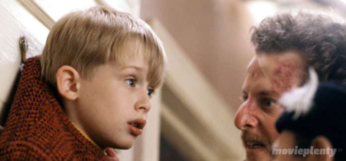 Home Alone (1992) - Top 10 Christmas Movies