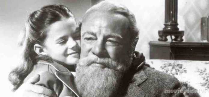 Miracle on 34th Street (1947) - Top 10 Christmas Movies
