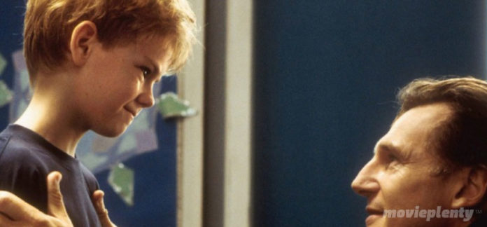 Love Actually (2003) - Top 10 Christmas Movies