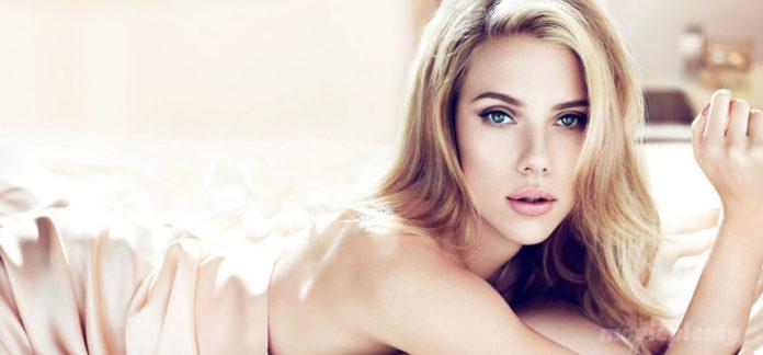 Scarlett Johansson - Top 10 Sexiest Actresses