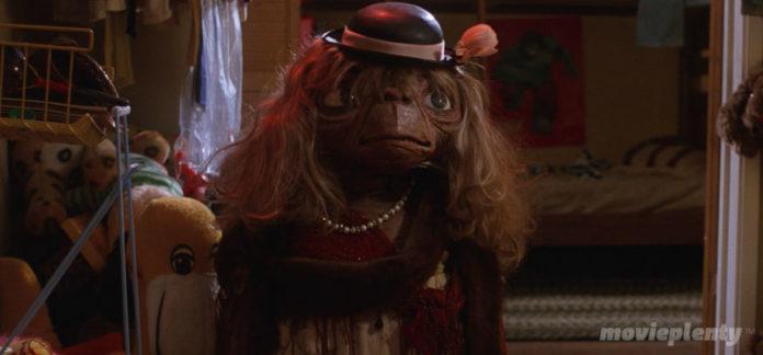 E.T. (1982) - Top 10 Kids Movies
