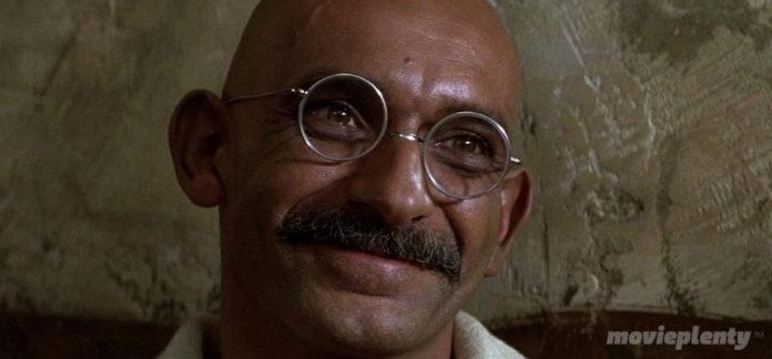 Gandhi (1982) - Top 10 Biopics